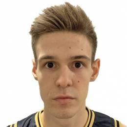 Arijus Adomauskas
