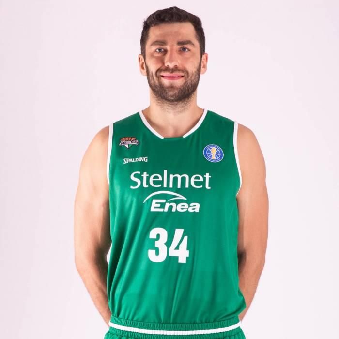 Photo de Adam Hrycaniuk, saison 2018-2019