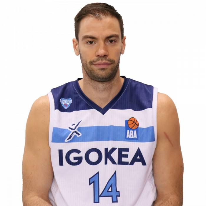 Photo de Oliver Stevic, saison 2019-2020