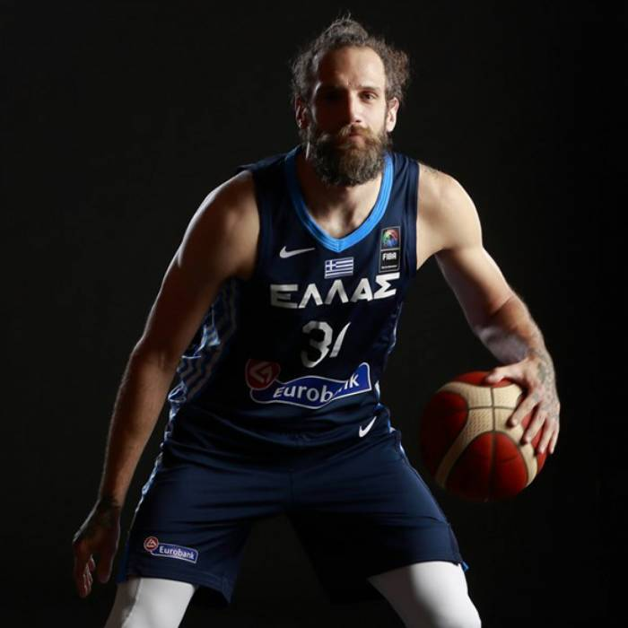 Charis Giannopoulos nuotrauka, 2021-2022 sezonas