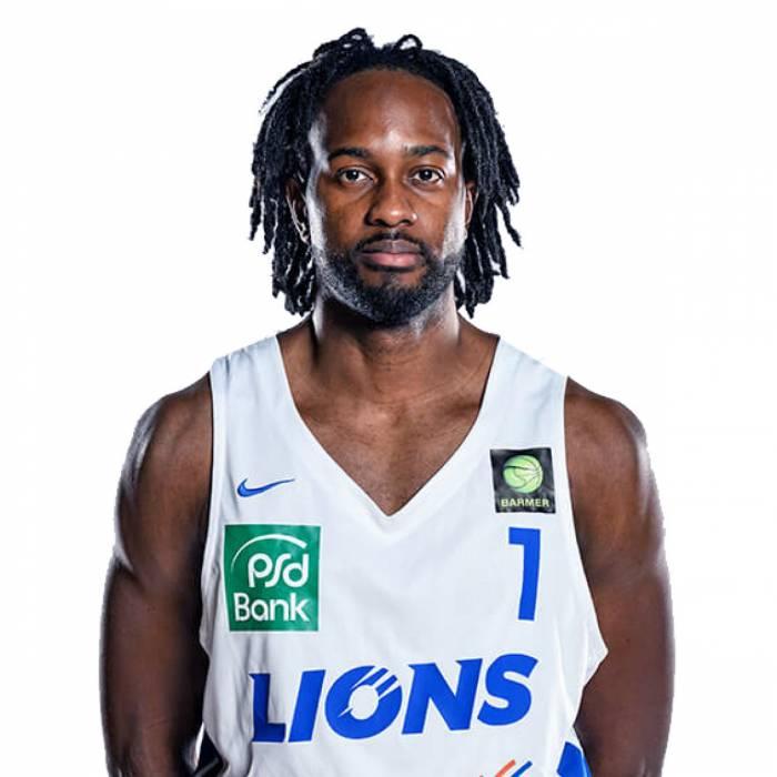 Photo of Carl Ona Embo, 2018-2019 season