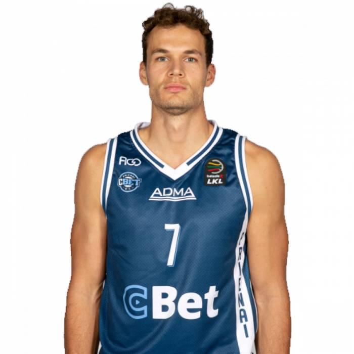 Photo of Devon Van Oostrum, 2019-2020 season