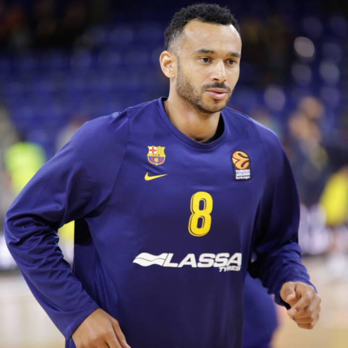 Photo de Adam Hanga, saison 2018-2019