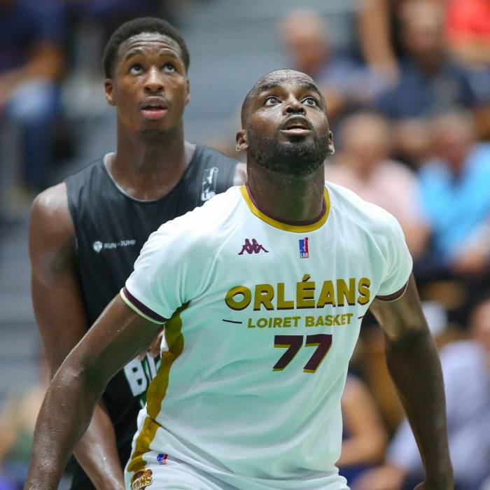Photo of Giovan Oniangue, 2019-2020 season