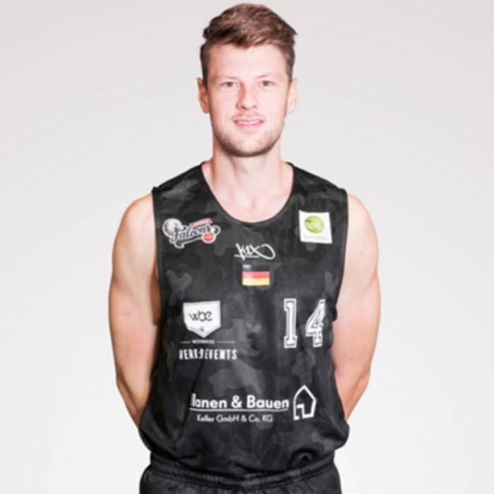 Photo of Sebastian Schroder, 2019-2020 season