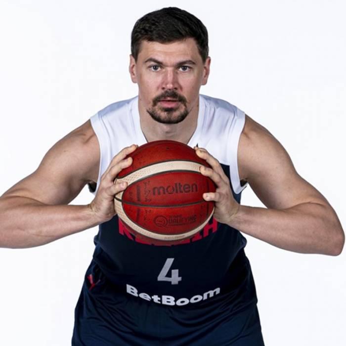 Photo de Evgeni Baburin, saison 2021-2022