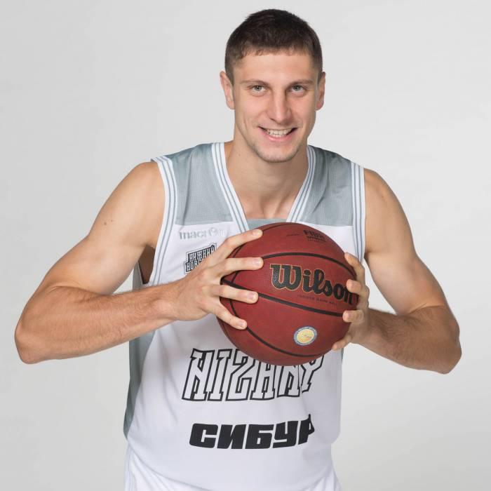 Photo of Dmitry Uzinsky, 2016-2017 season