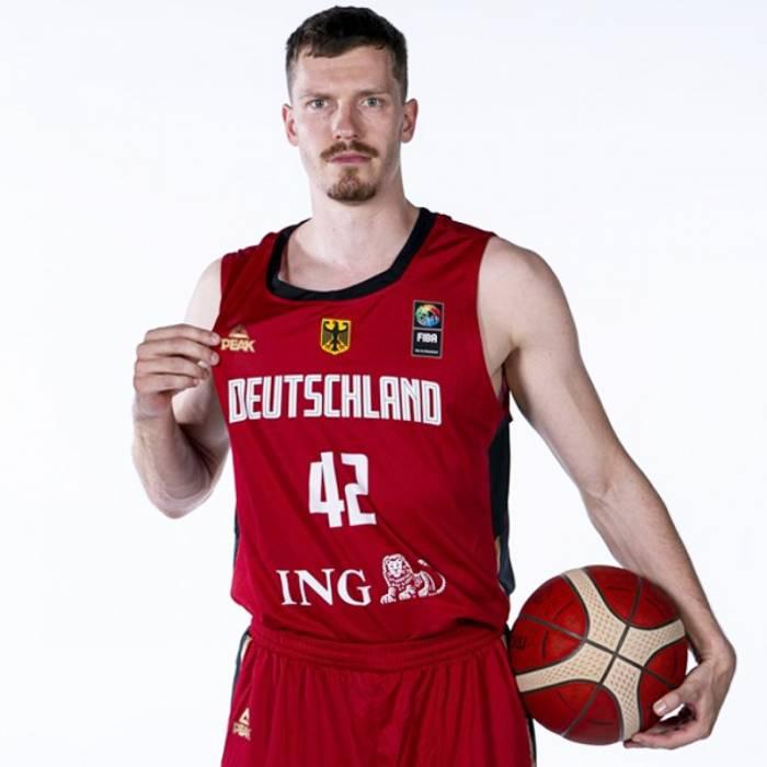 Andreas Obst nuotrauka, 2021-2022 sezonas
