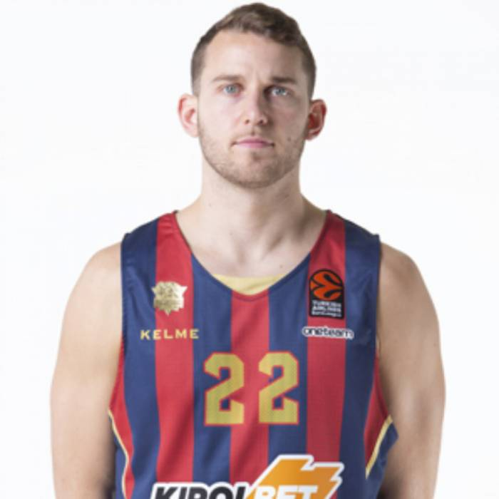 Photo de Nik Stauskas, saison 2019-2020