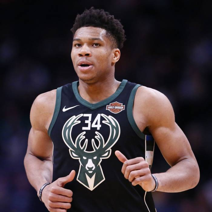 Photo of Giannis Antetokounmpo, 2017-2018 season