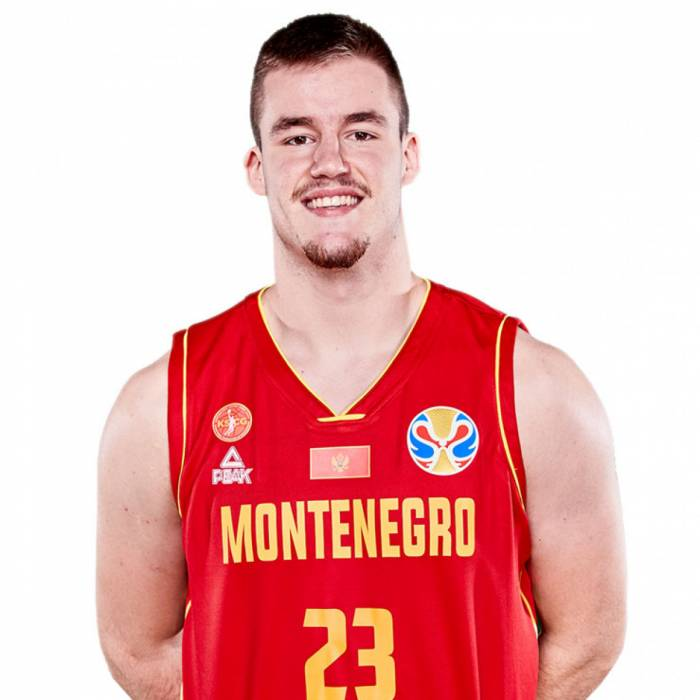 Photo of Dino Radoncic, 2019-2020 season