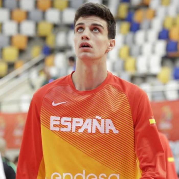 Photo of Carlos Alocen, 2016-2017 season