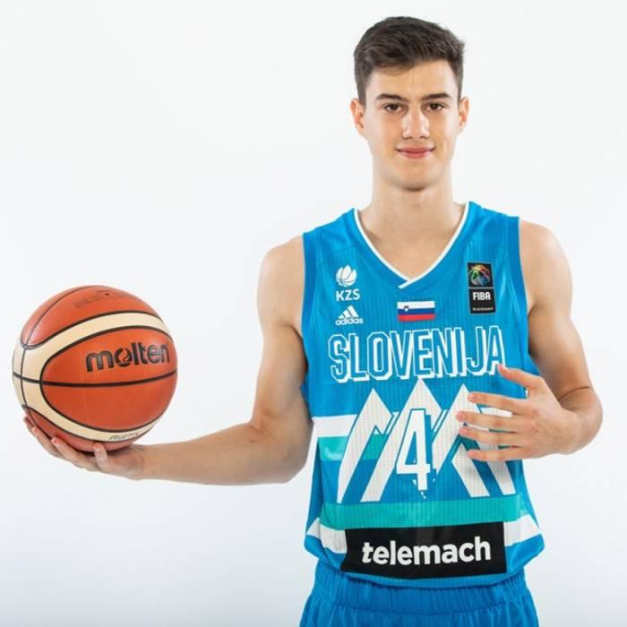 Photo of Dominik Praljak, 2019-2020 season
