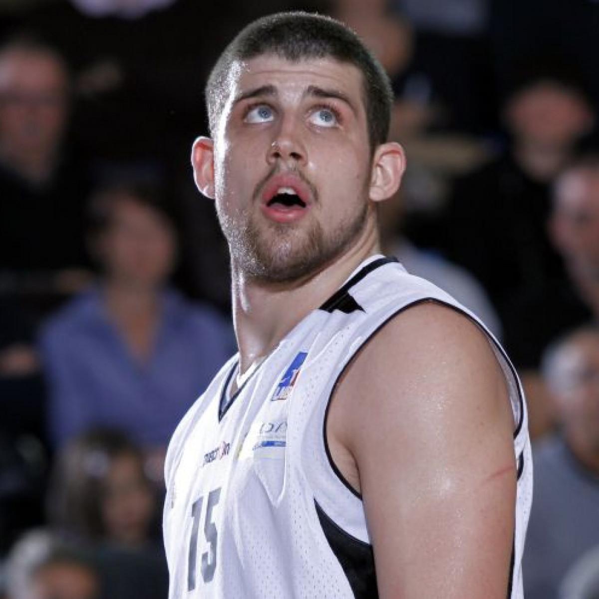 Photo of Adrien Moerman, 2010-2011 season