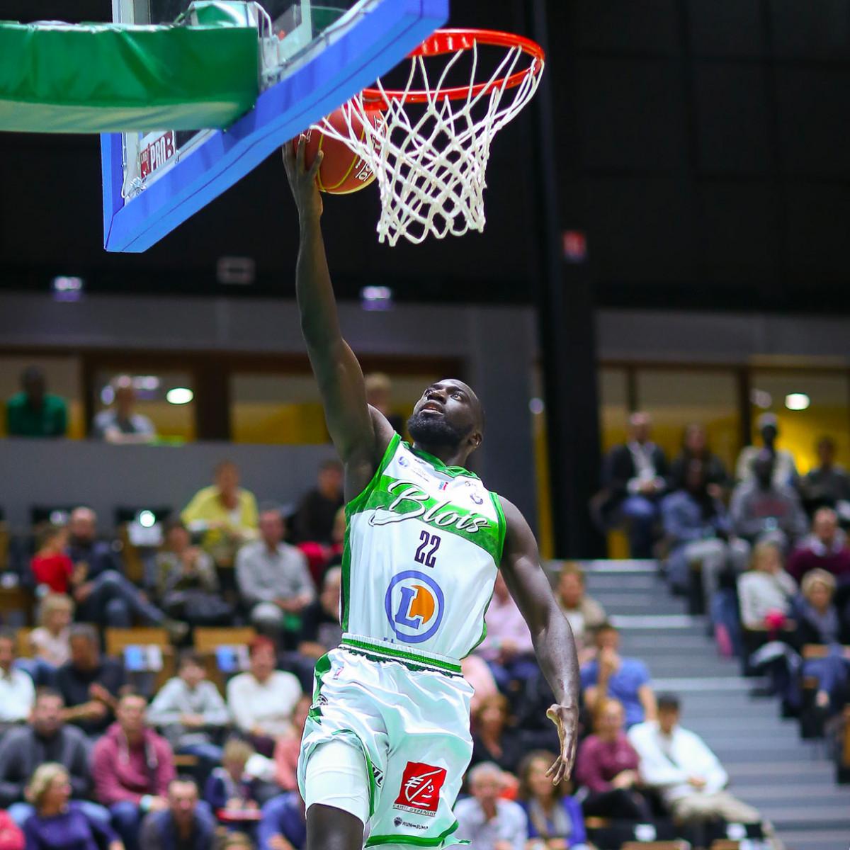 Photo of Lamine Sambe, 2019-2020 season