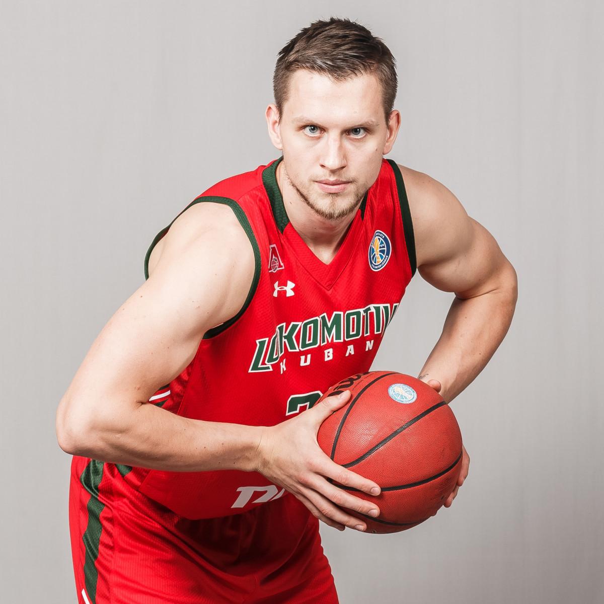 Photo of Mateusz Ponitka, 2018-2019 season
