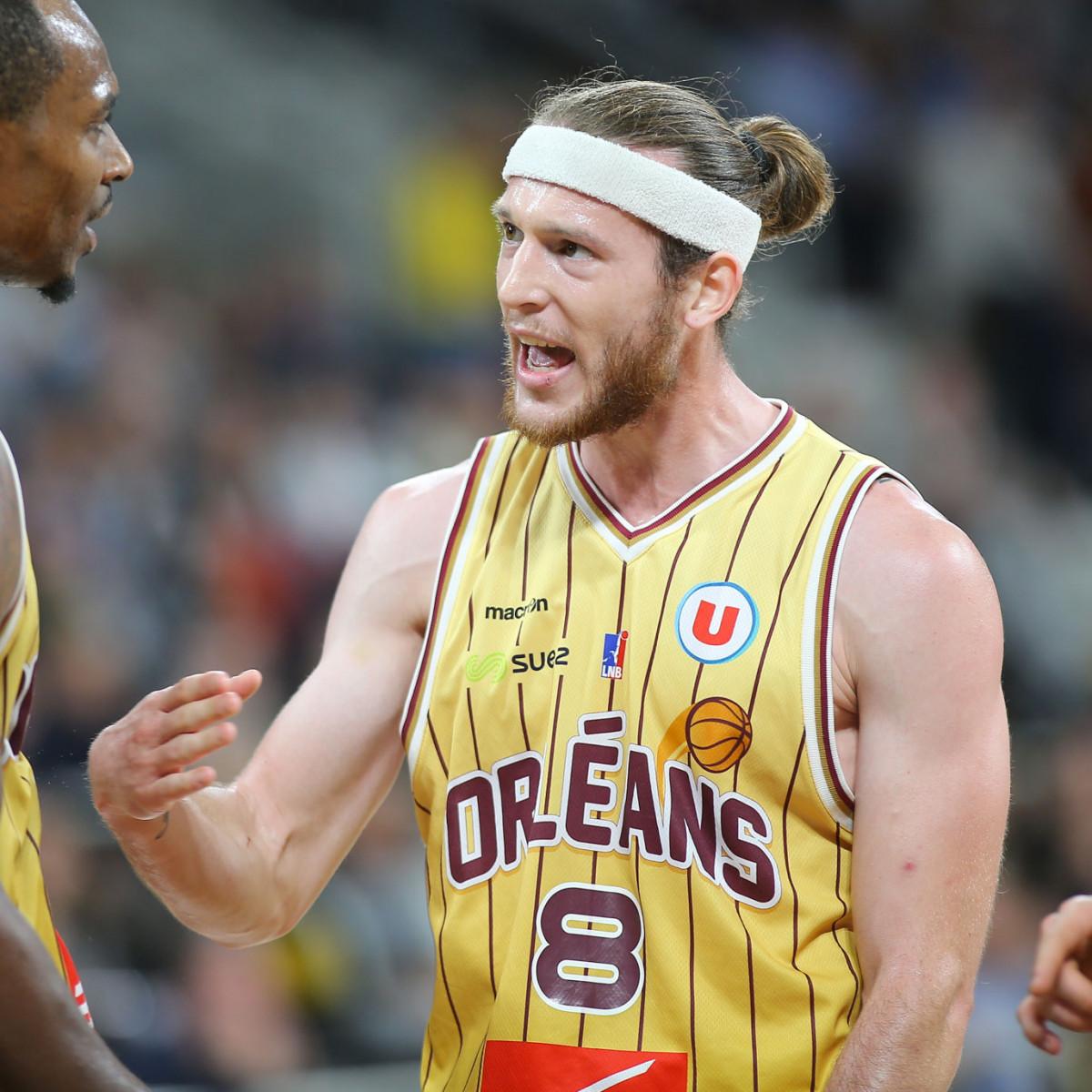 Photo of Antoine Eito, 2015-2016 season
