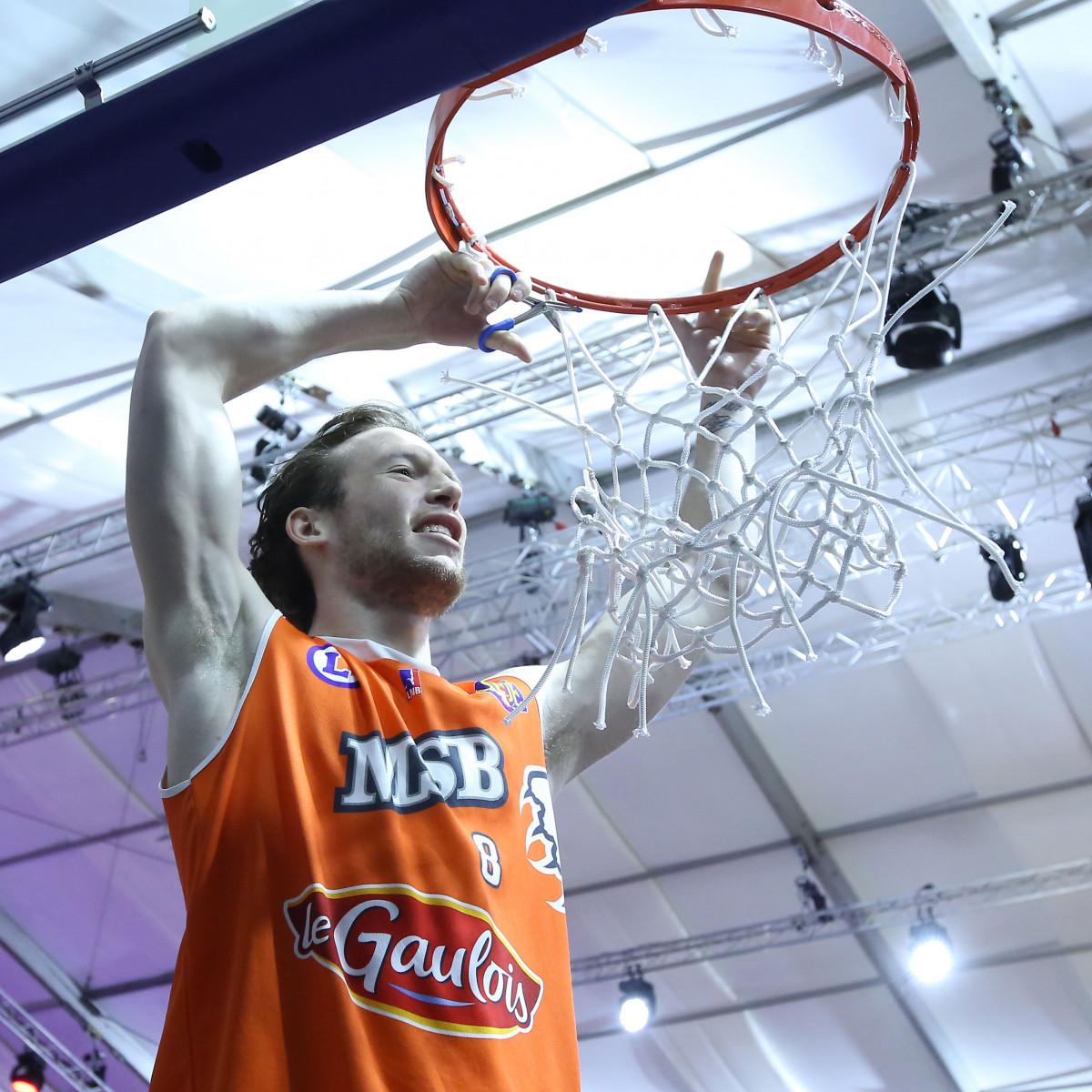 Photo of Antoine Eito, 2012-2013 season
