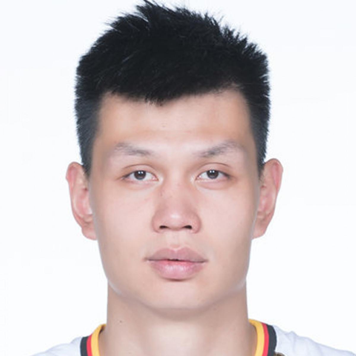 Zhonghao Xu