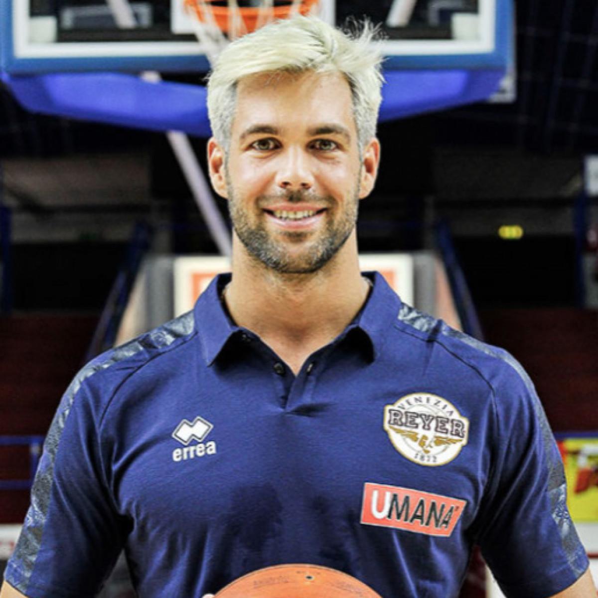 Photo of Bruno Cerella, 2018-2019 season