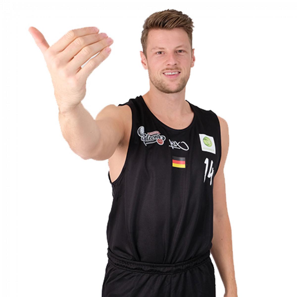 Photo of Sebastian Schroder, 2018-2019 season