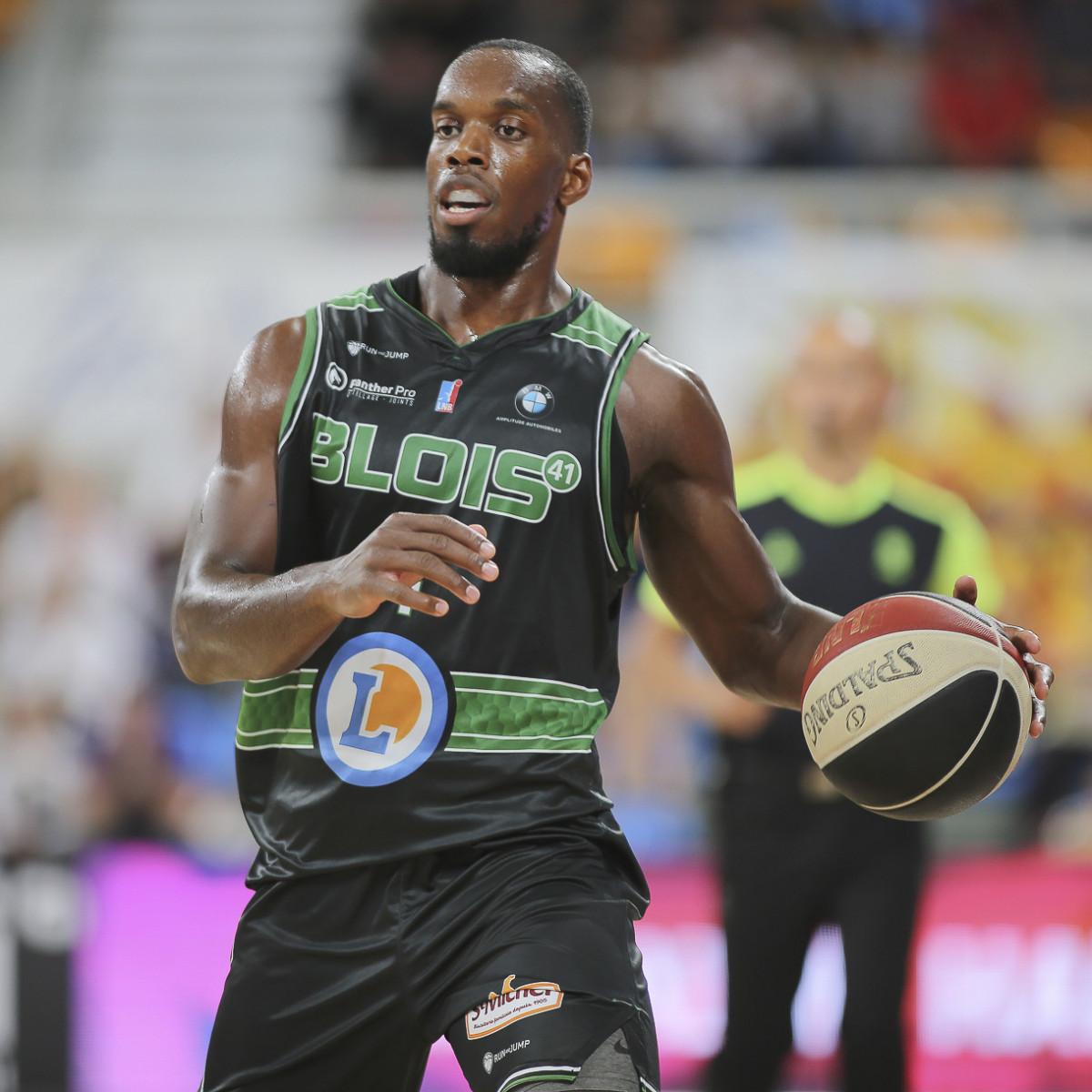 Photo of Charles Abouo, 2018-2019 season