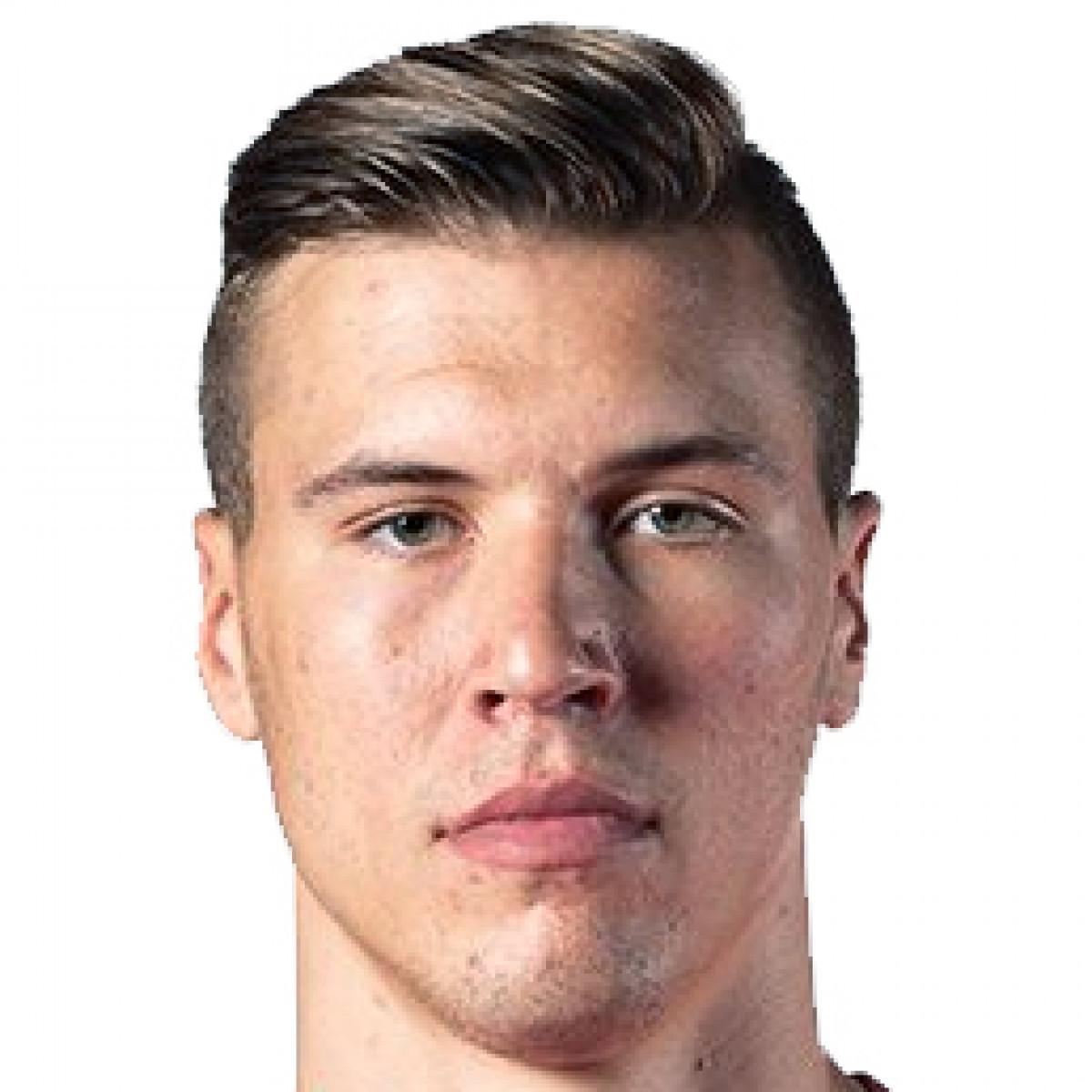 Kaleb Tarczewski