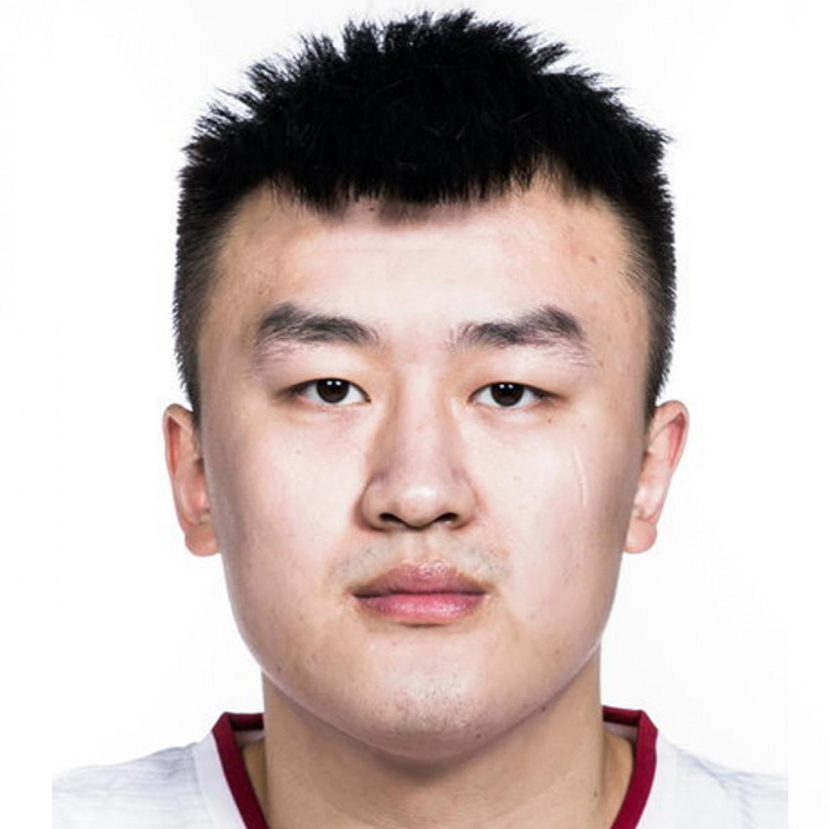 Zeyi Liu