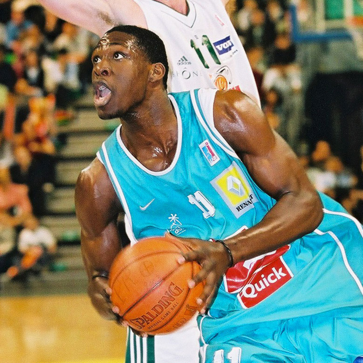 Photo of Florent Pietrus, 2003-2004 season